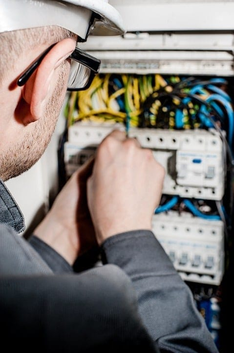 AC Breaker Keeps Tripping – AC Troubleshooting Guide